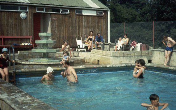 Wotton Pool in 1969 (WottonPool1969b.jpg)